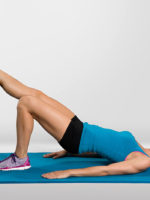 woman doing ab exercises